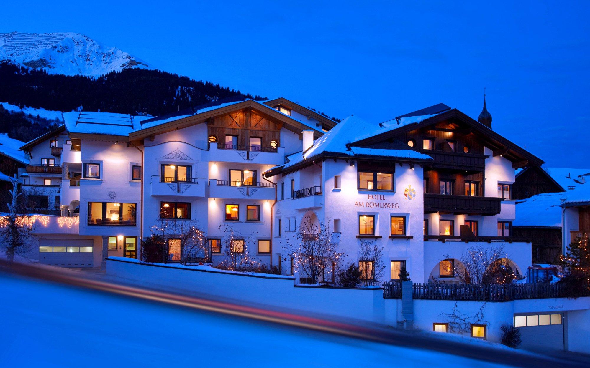 Hotel Fiss Winteransicht
